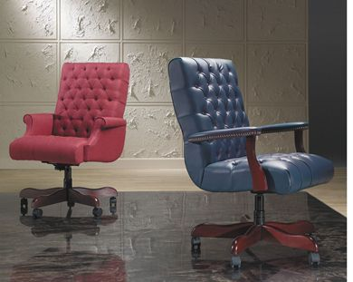 Picture of Set of 2, Traditional High Back Tufted Conference Chair with Wood Base
