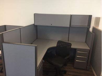 Picture of 6' Powered L Shape Cubicle Desk Workstation